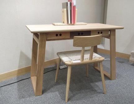 desk%2001.jpg