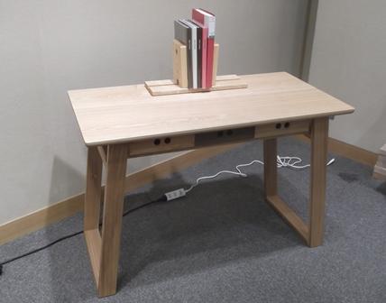 desk%2002.jpg